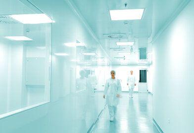 Cleanroom Tape Oplossingen - Wat houdt een gecontroleerde productieomgeving in?